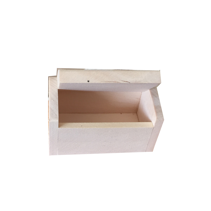 Small Wooden Favour Box ready to decorate